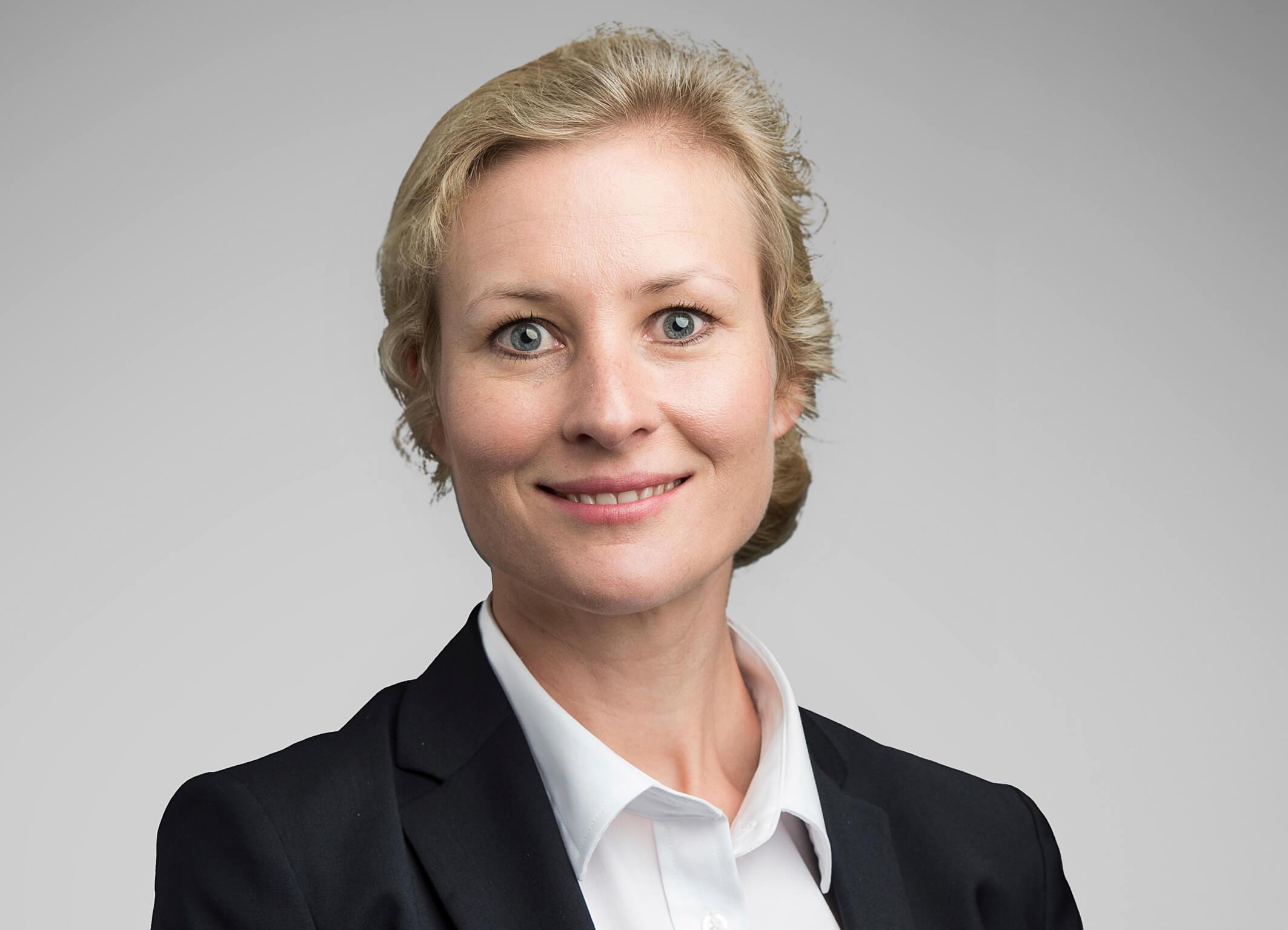 Vi gratulerer Victoria Sæland med advokatbevilling!