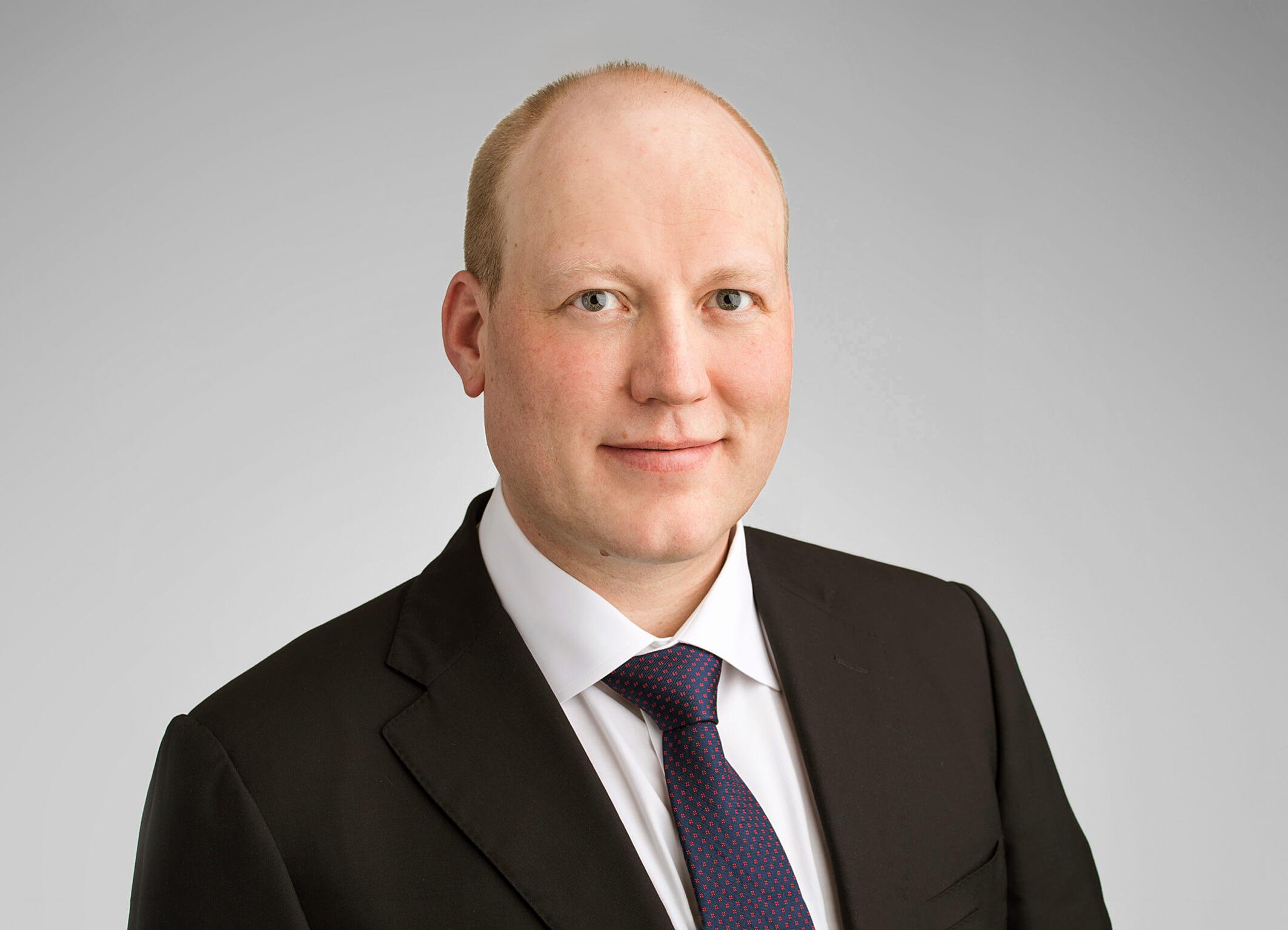 Vi gratulerer Dan Kåre Silgjerd som fast advokat!